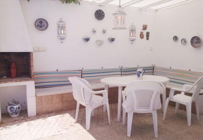 Villa en Nerja - Amplia Villa con piscina privada y Aire Acondicionado En Nerja Ref 403