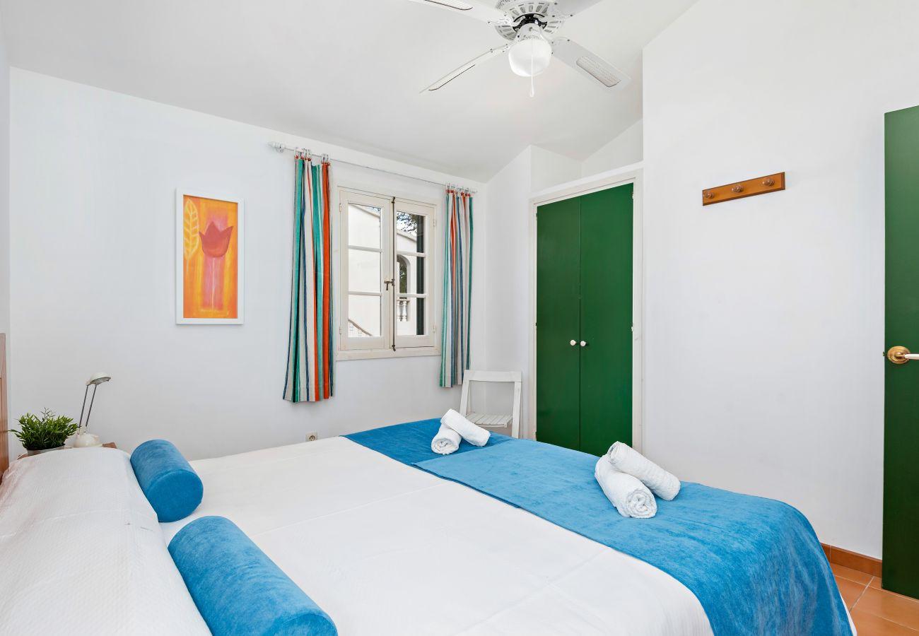 Apartamento en Cala Blanca - Apartamento en Planta Baja al Lado de la playa de arena de Cala Blanca