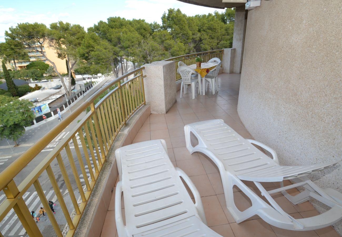 Apartamento en Salou - Catalunya 44: Gran terraza-Cerca playa-Piscinas,deportes,parque-Wifi,ropa gratis-Centro turistíco Salou