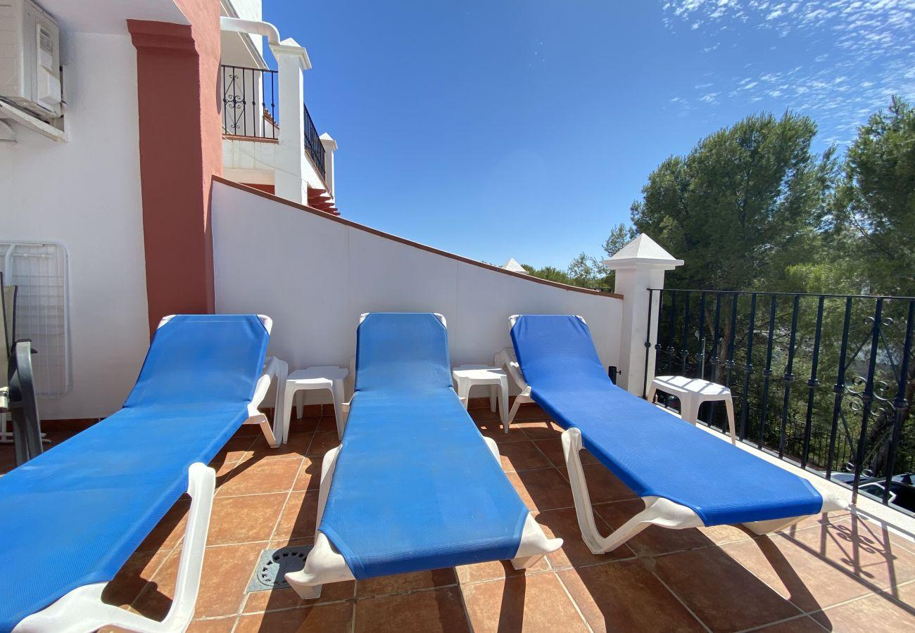 Villa en Nerja - Villa Aljamar con piscina privada y comunitaria Playa Burriana