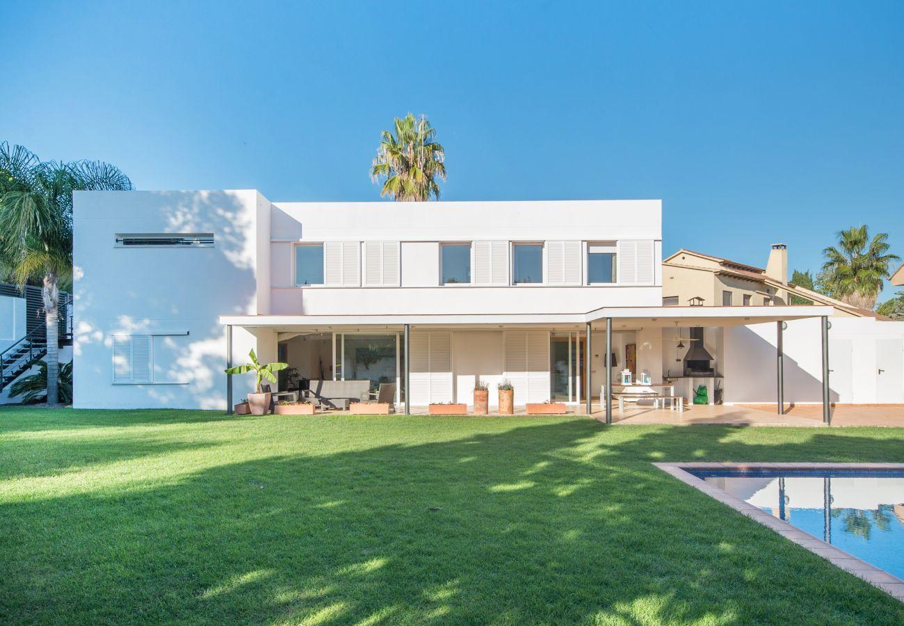 Villa en Coma-Ruga - R6 Villa Moderna 300m de la playa Comaruga