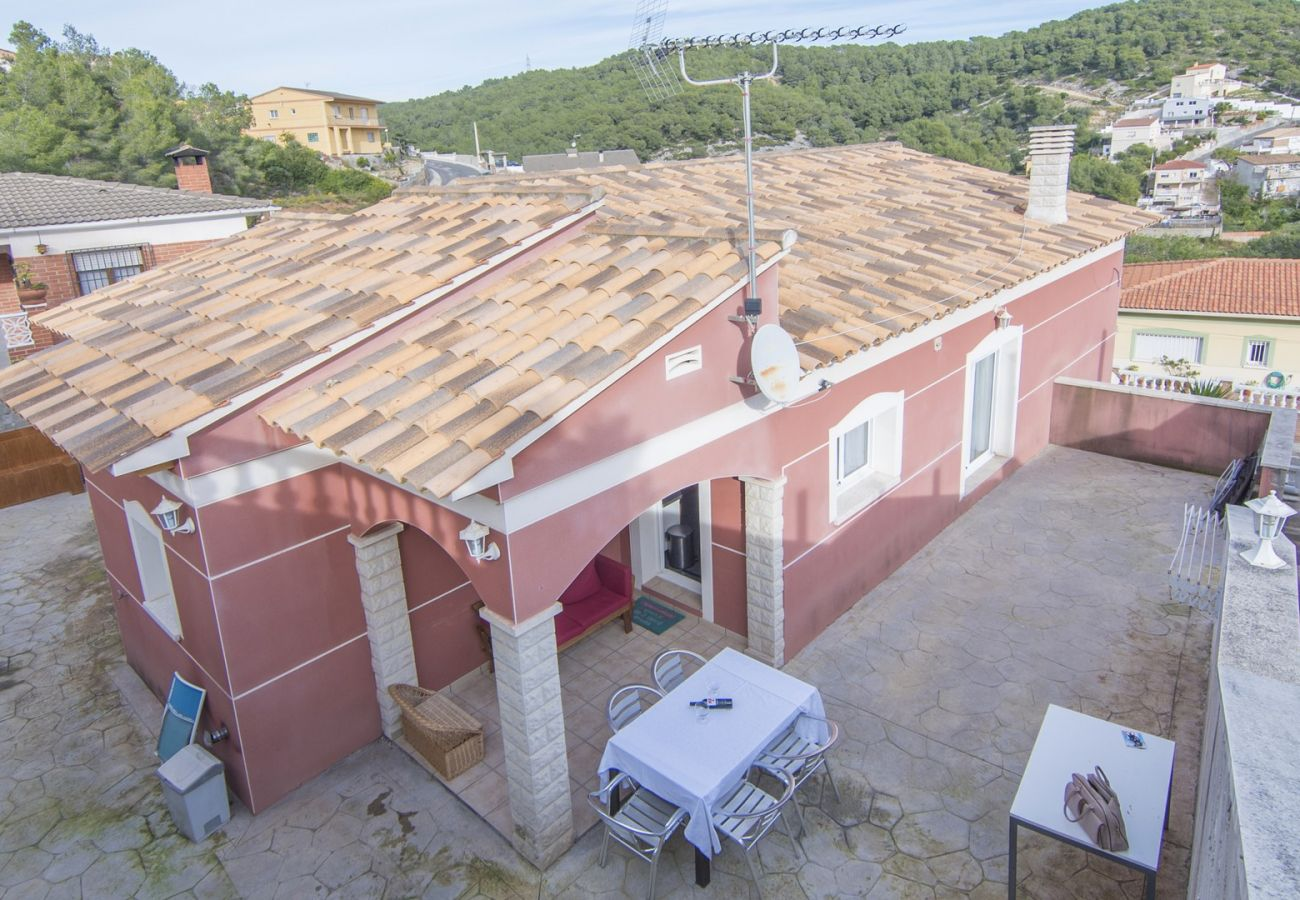 Villa en Castellet i la Gornal - R83 Chalet vacacional para 10 pers entre playa y montaña
