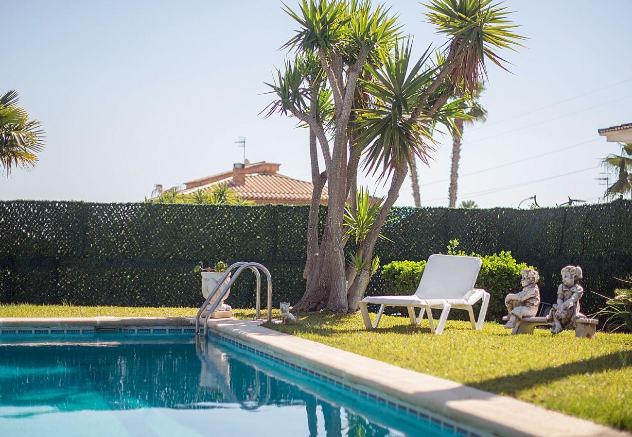 Villa en Calafell - R60 Magnifica casa con piscina y jardin 800m de la playa Calafell