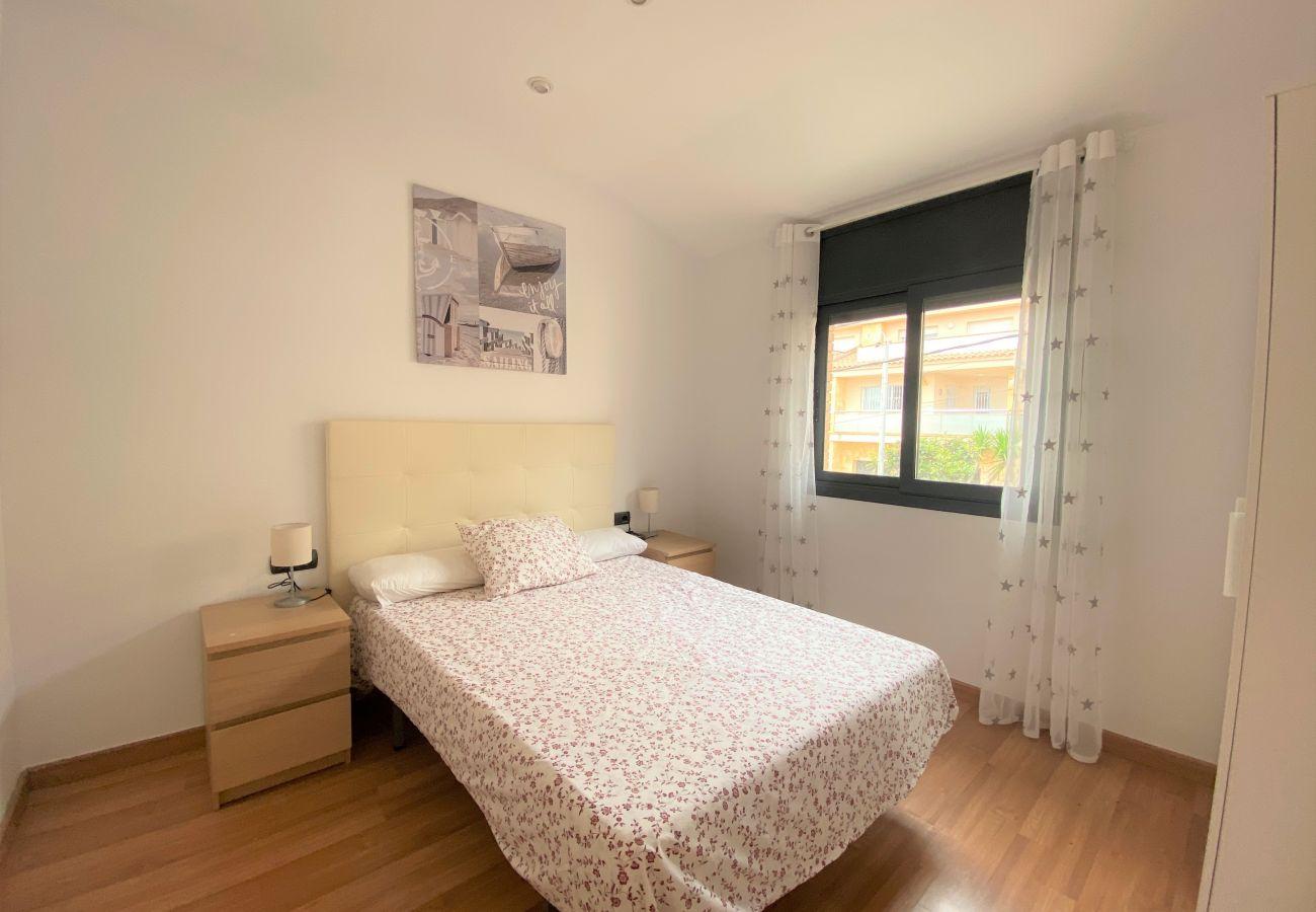 Casa adosada en Segur de Calafell - R100/2 Moderna casa con piscina compartida  2km de la playa