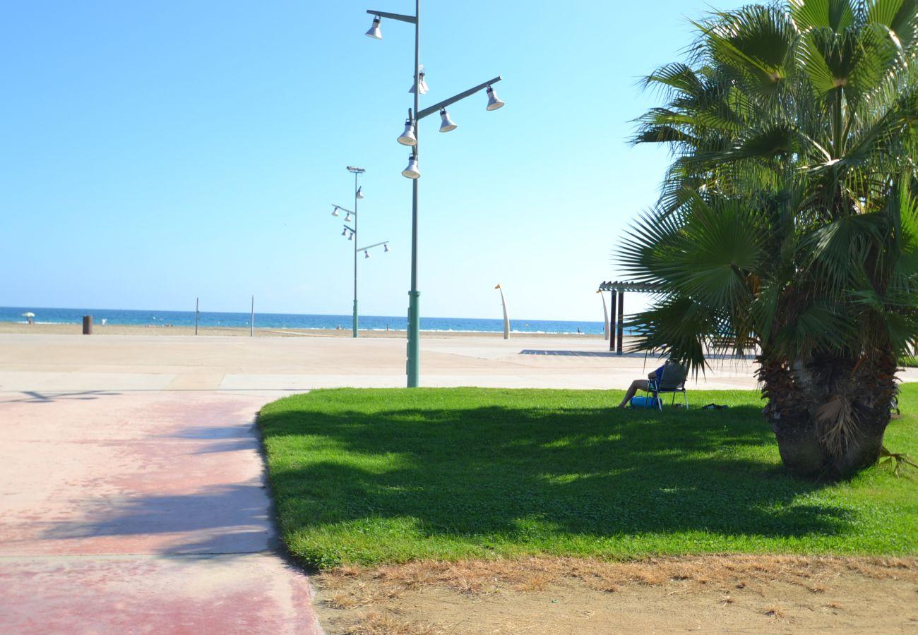 Apartment in La Pineda - Marinternum R:Terrace with La Pineda sea views-Pool-Free Wifi,A/C,parking,linen,satellite