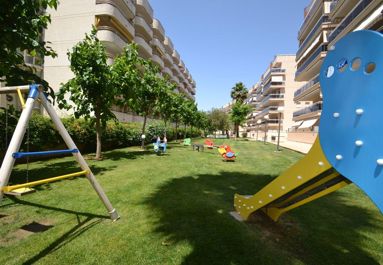 Apartment in Salou - Ventura Parc Z:Terrace-Near Salou's beach-Pool-Free A/C,parking,wifi,linen