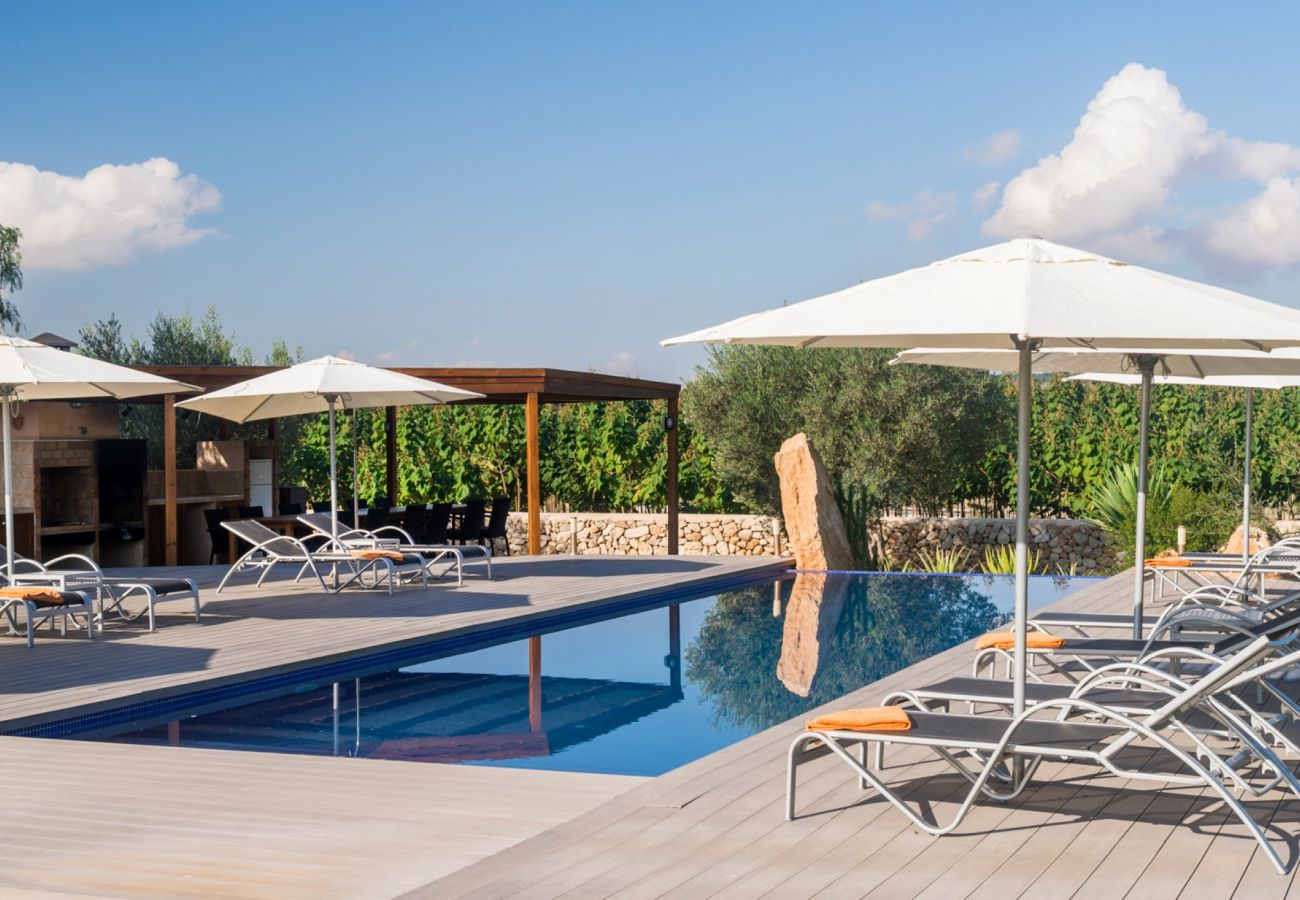 From 100 € per day you can rent your finca for the holidays