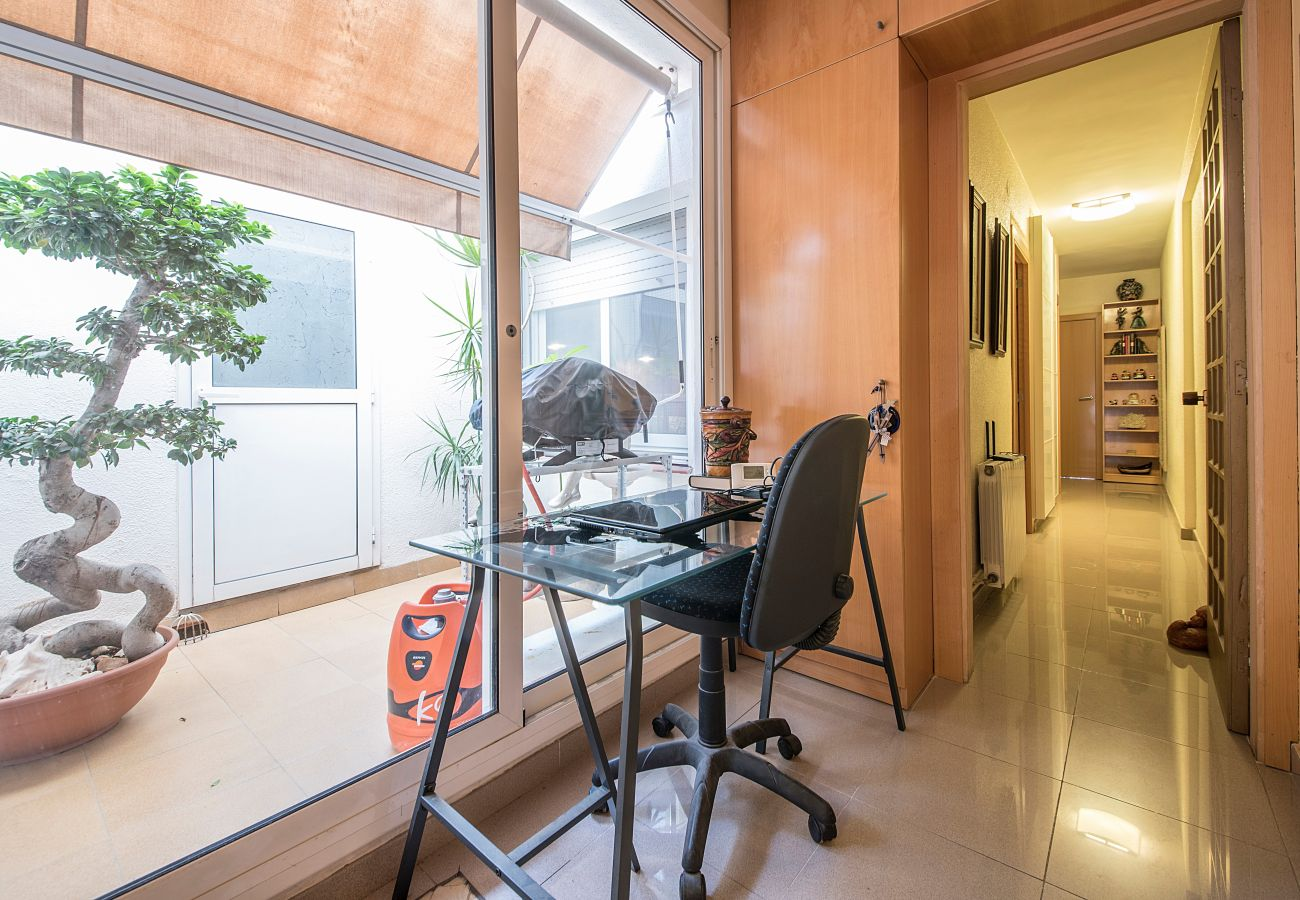 Apartment in Calafell - R2 Two bedroom apartment 20m from the beach Calafell