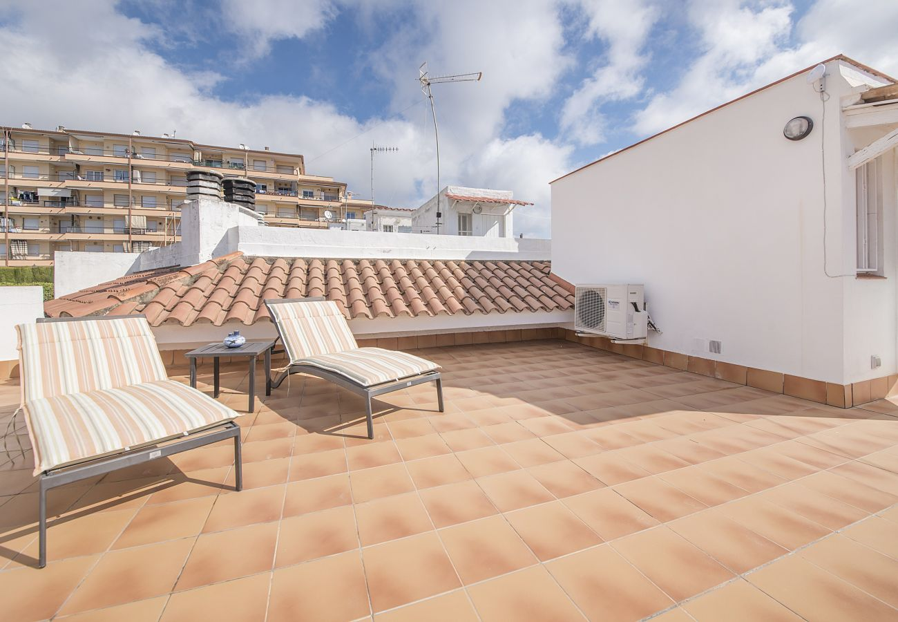 Townhouse in Calafell - R4 Townhouse with patio, terrace and views