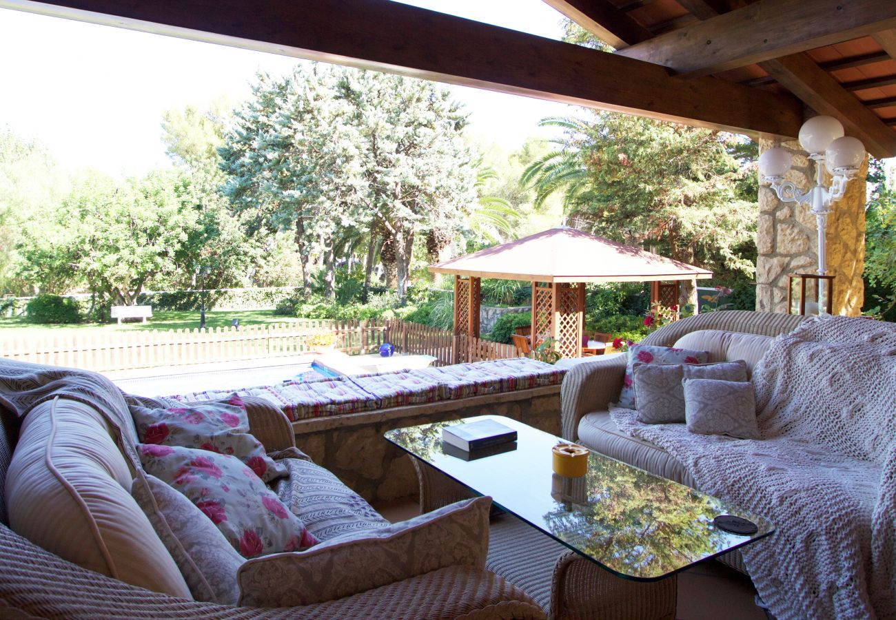 Villa in Roda de Barà - R44 Magnificent villa for 12 with large garden and pool 600 m from the beach