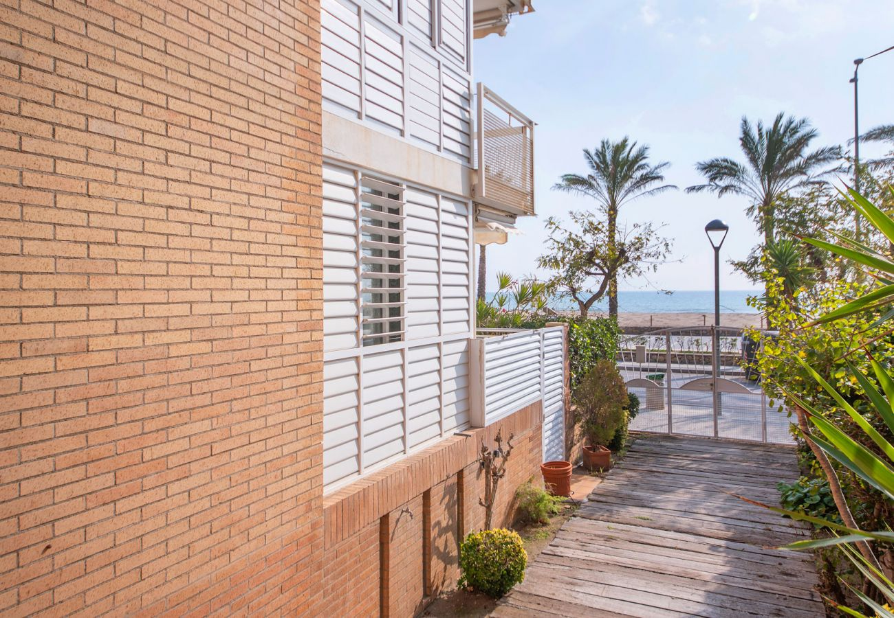 Apartment in Segur de Calafell - R98 Beachfront Apartment with terrace in Calafell