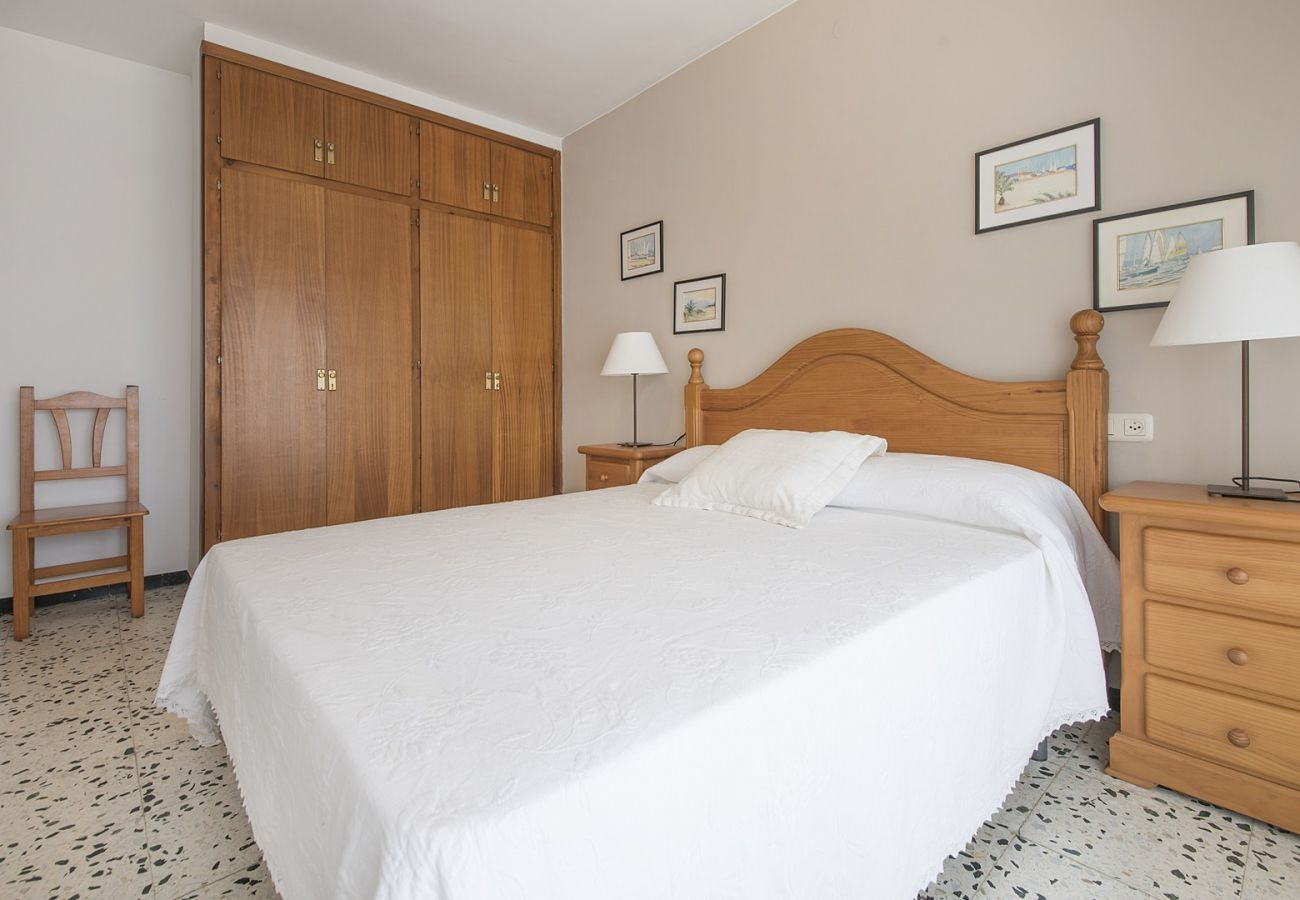 Apartment in Calafell - R28 Three- bedroom apartment 20m from the beach Calafell