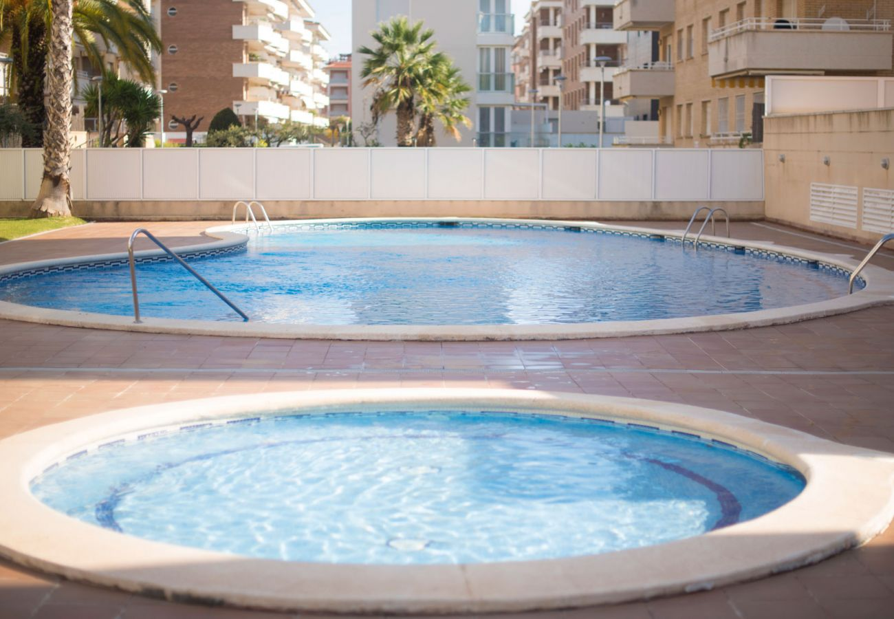 Apartment in Calafell - Apartment with terrace and panoramic views