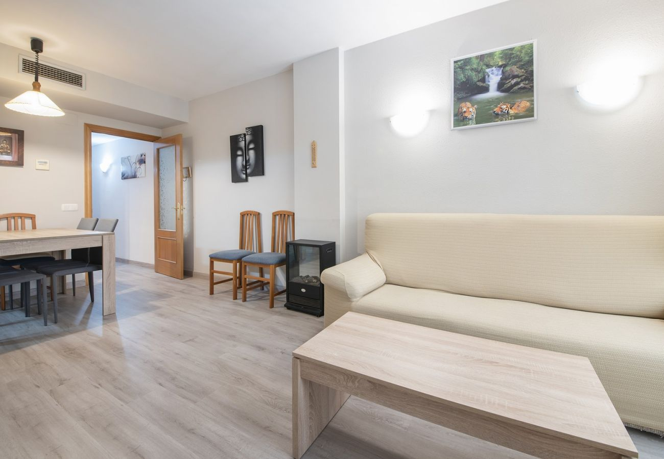 Apartment in Calafell - R95 Ground floor apartment 50 m from the beach