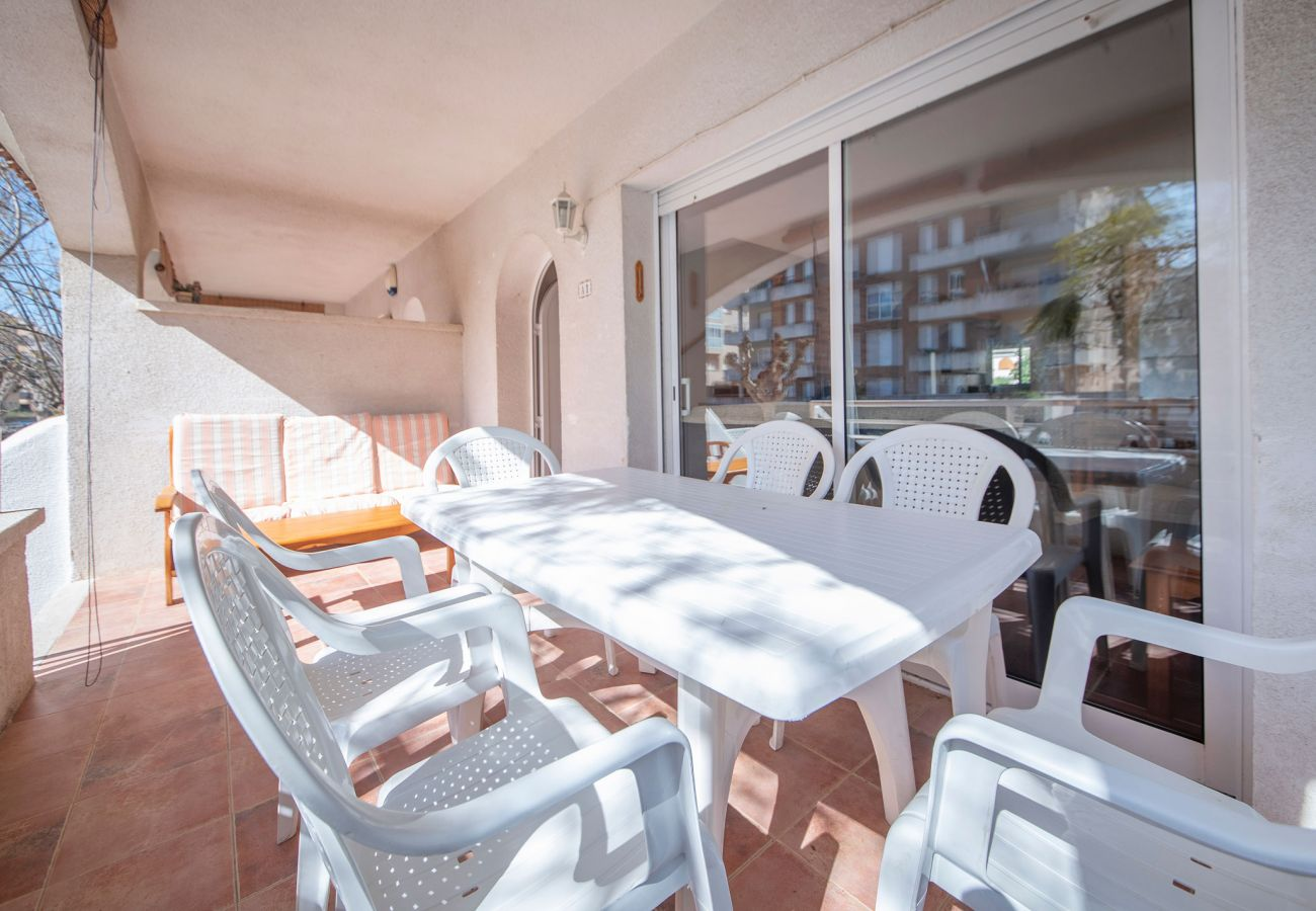 Townhouse in Calafell - R22-1 Townhouse with air cond for 8 people