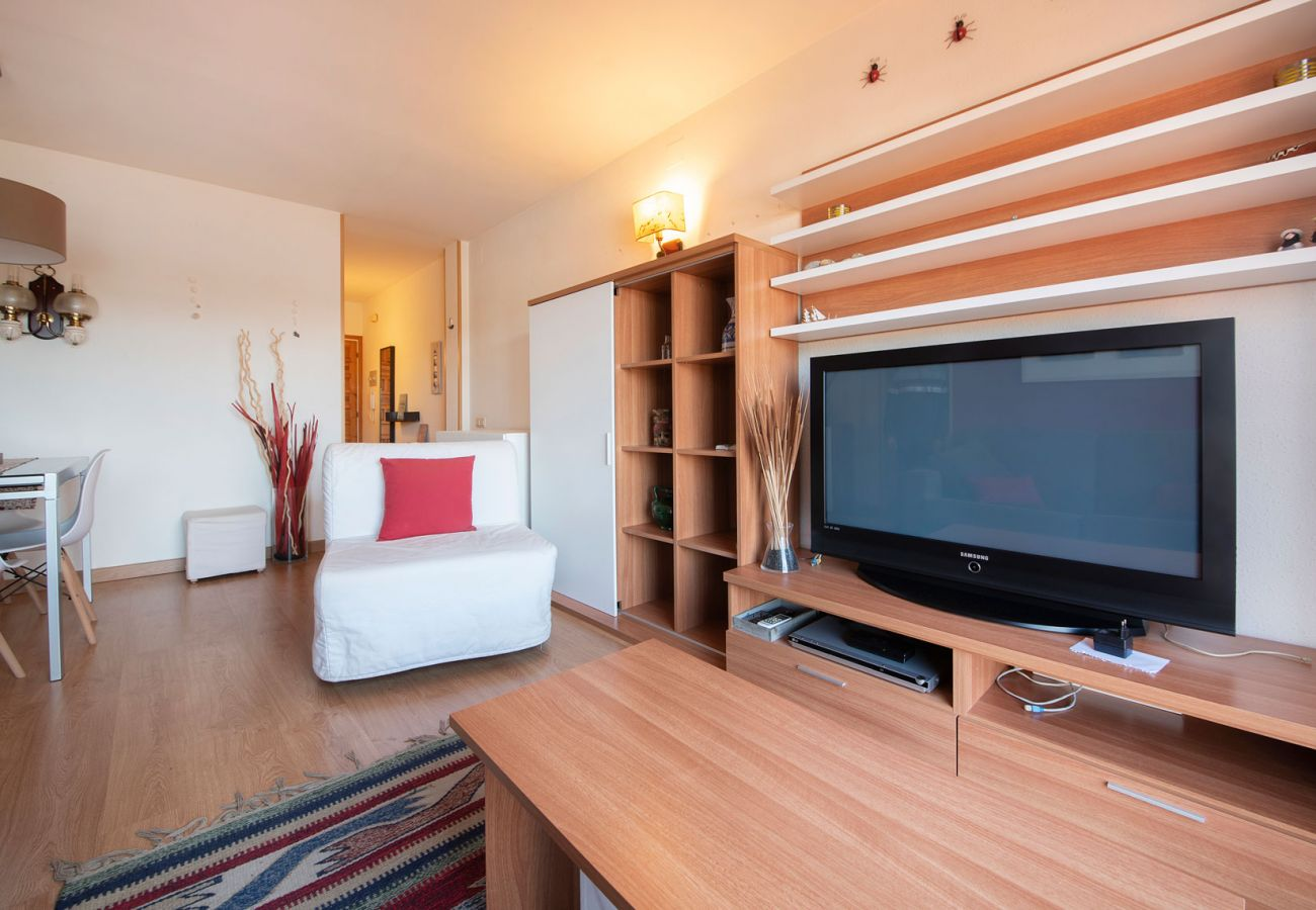 Apartment in Calafell - R89 Penthouse with mountain views in Calafell playa