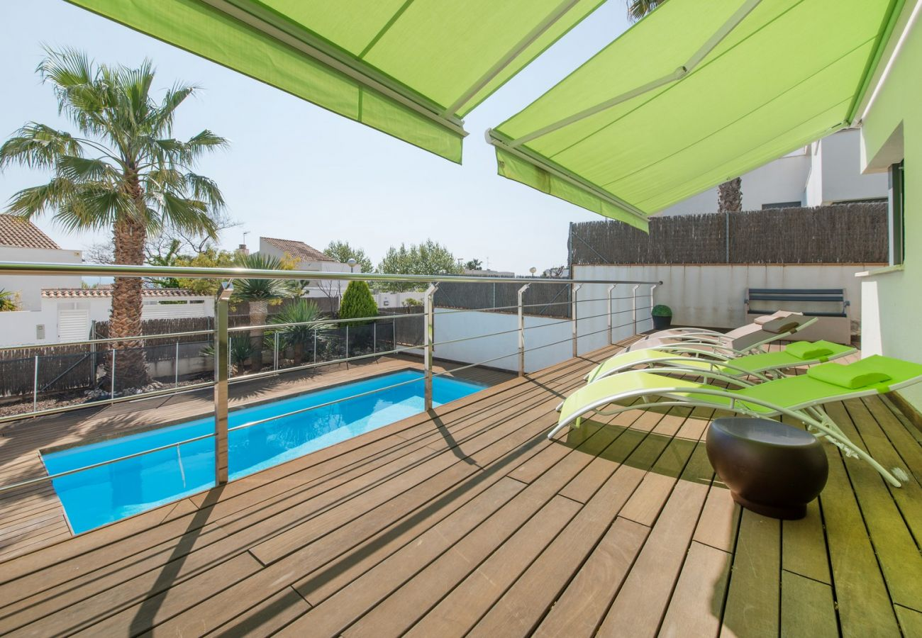 Villa in Calafell - R64 Luxury Villa Déjà View 950m from the Beach