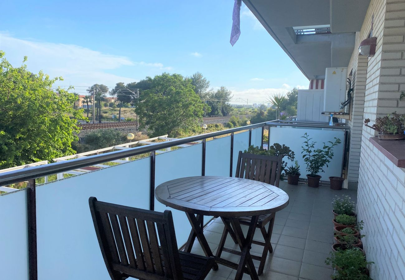 Apartment in Calafell - R120 Apartment 50m from the beach in Calafell