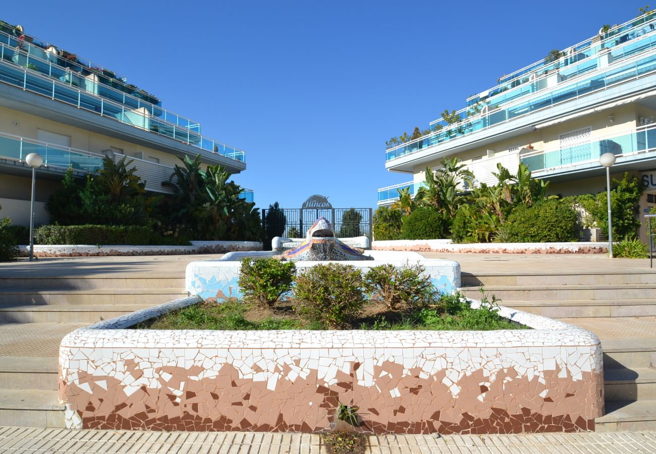 Appartement à La Pineda - Los Juncos M:Terrasse-300m Plage-20.000m2 jardin avec piscines,jeux,sports