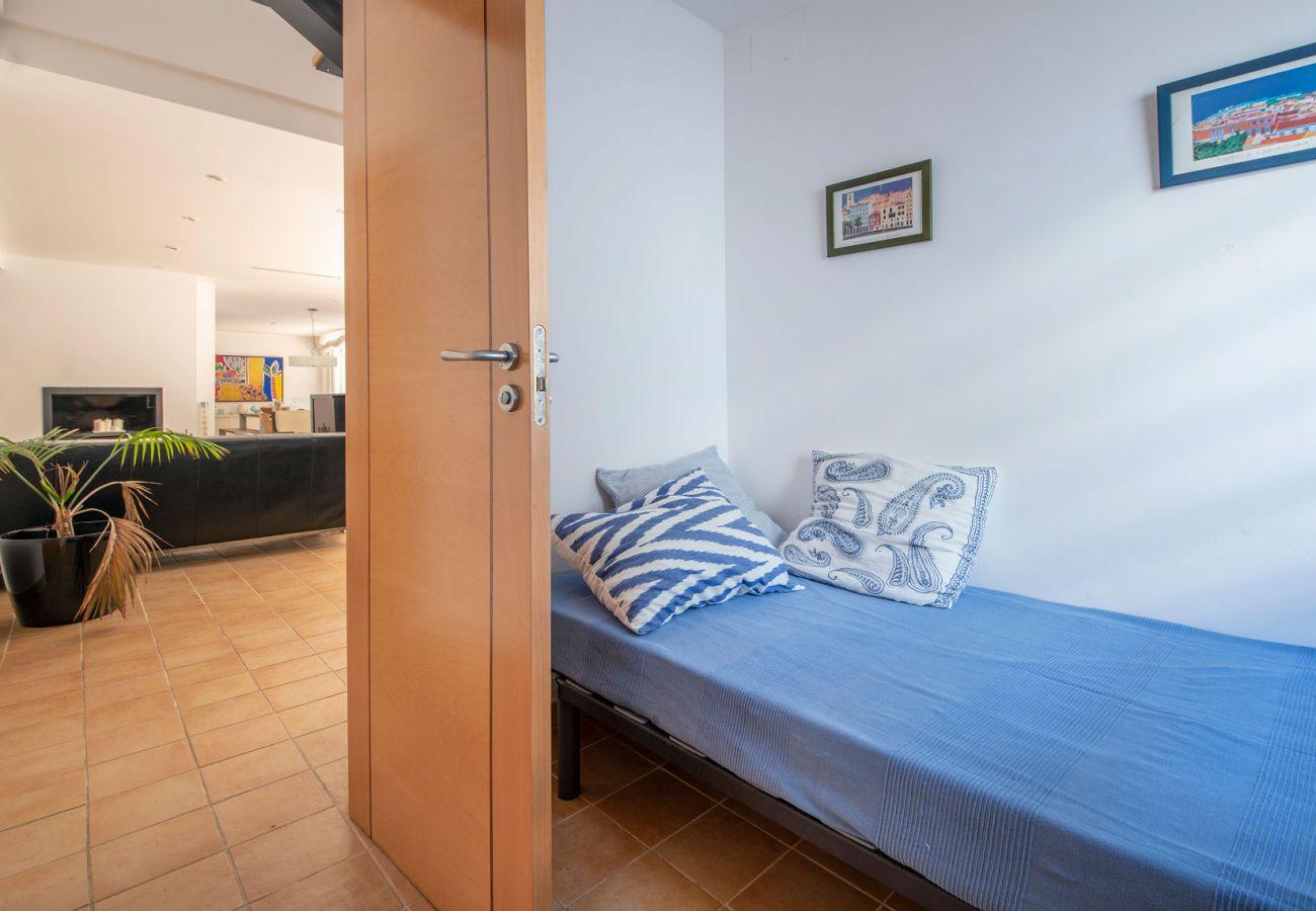 Villa à Coma-Ruga - R6 Villa moderne à 300m de la plage de Comaruga