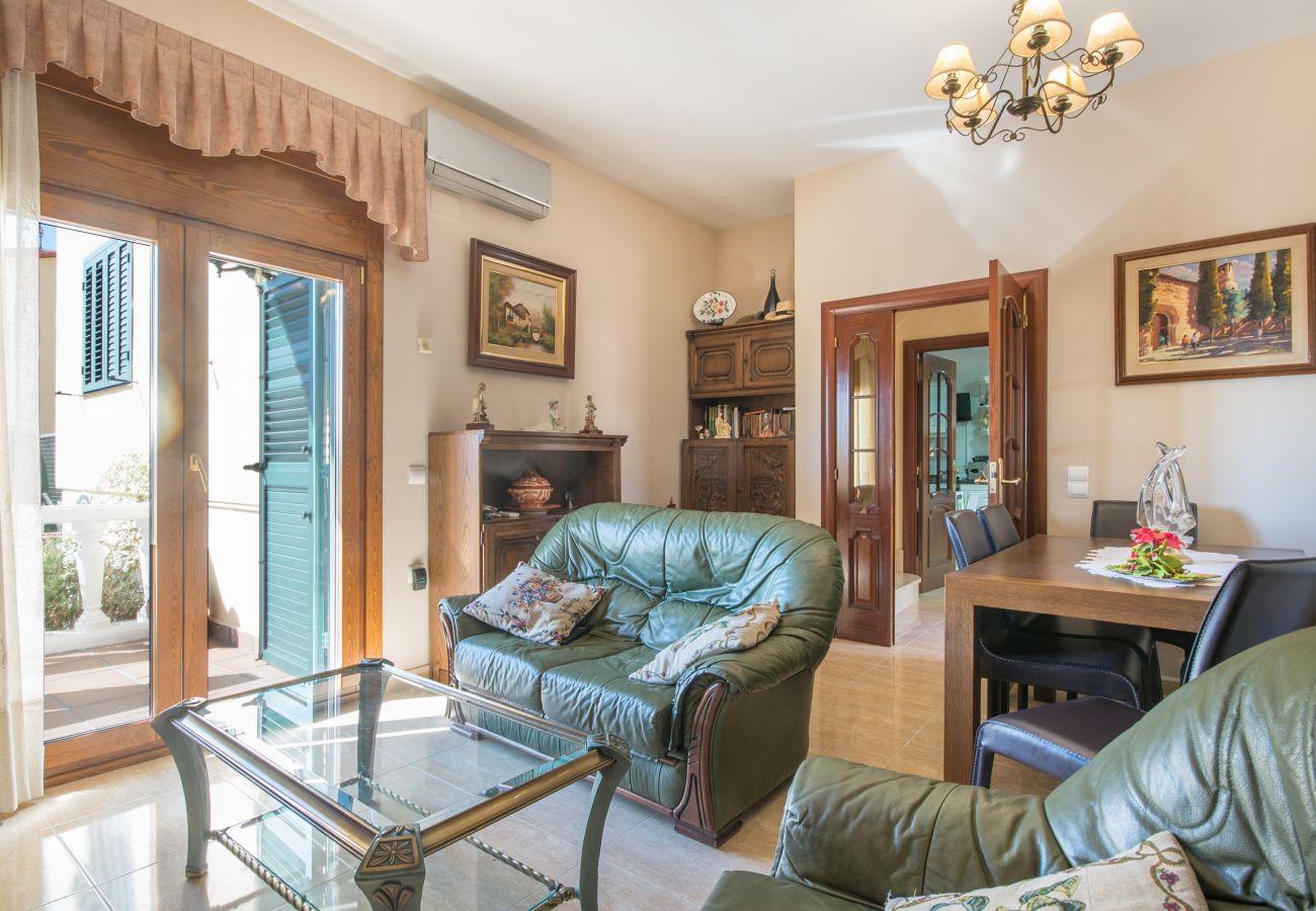 Villa à Calafell - R15 Villa de 5 chambres avec piscine à 600m de la plage