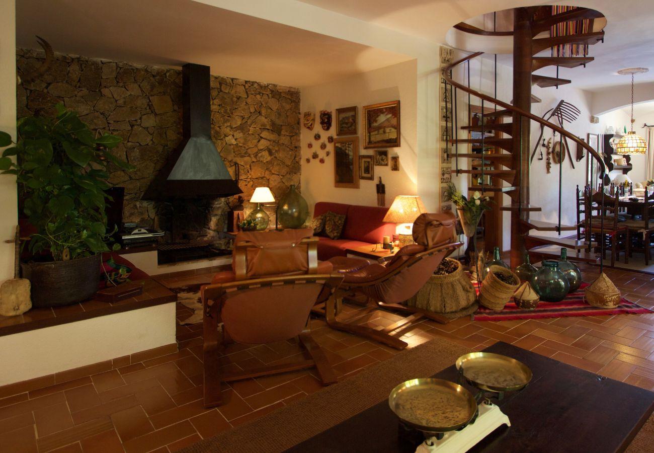 Villa à Roda de Barà - R44 Magnifique villa pour 12 pers avec grand jardin et piscine à 600 m de la plage