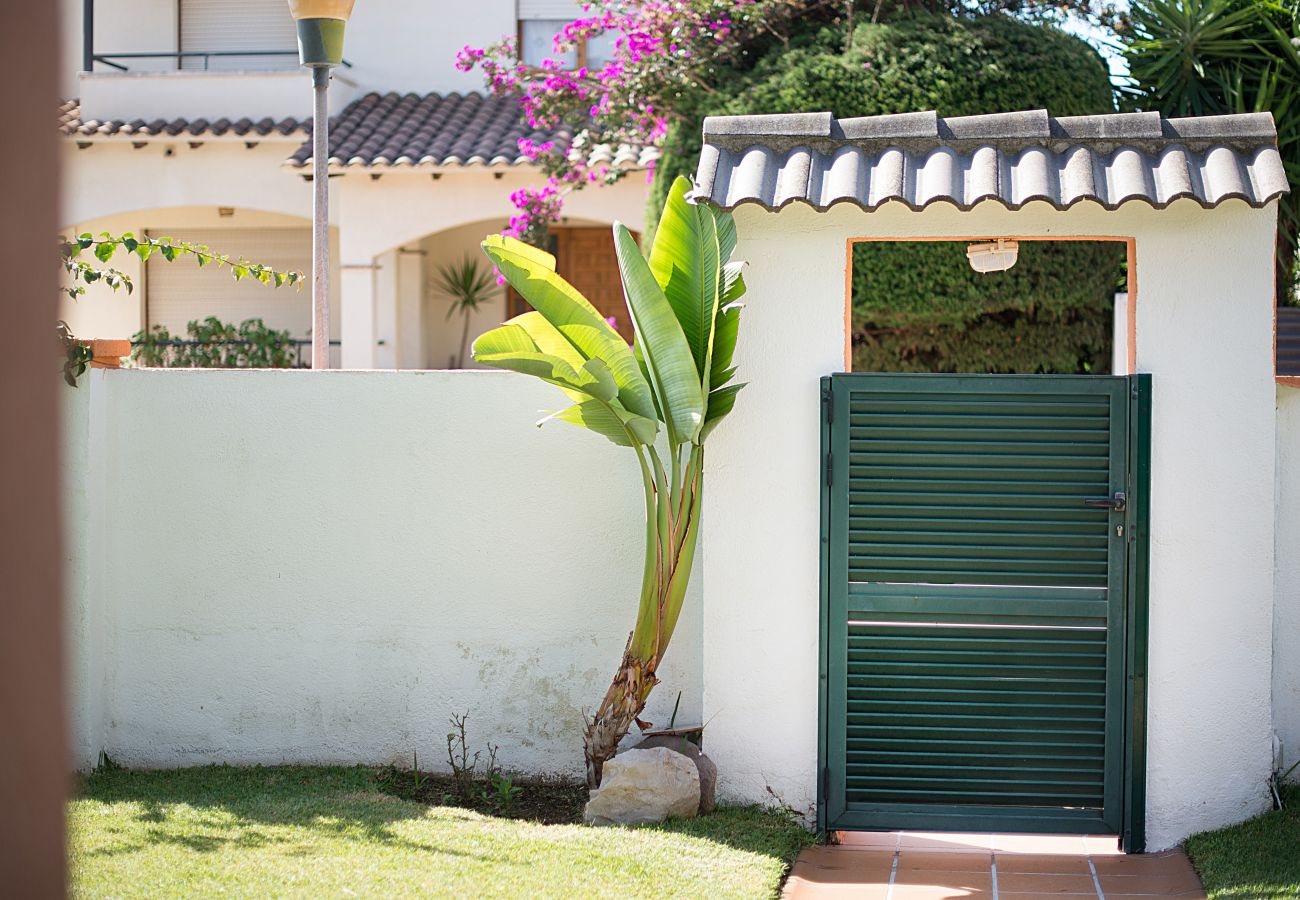 Villa à Calafell - R9 Villa de quatre chambres avec piscine près des supermarchés