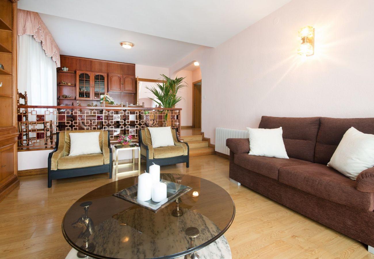 Villa à El Vendrell - R24 Maison avec piscine à 200m de la plage