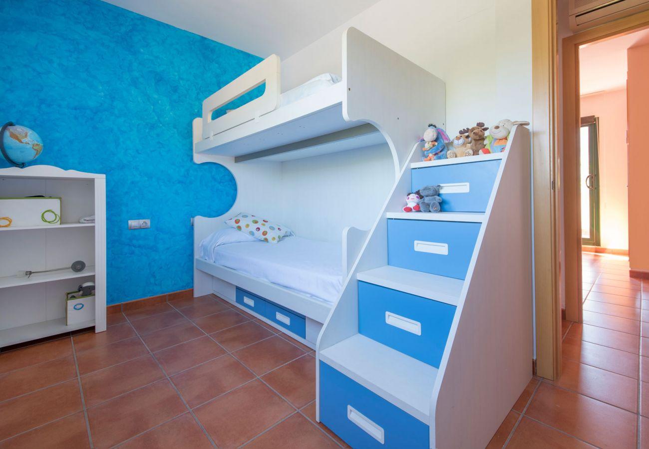 Villa à Roda de Barà - R77 Maison de vacances moderne à 1,4 km de la plage de Roda de Bara