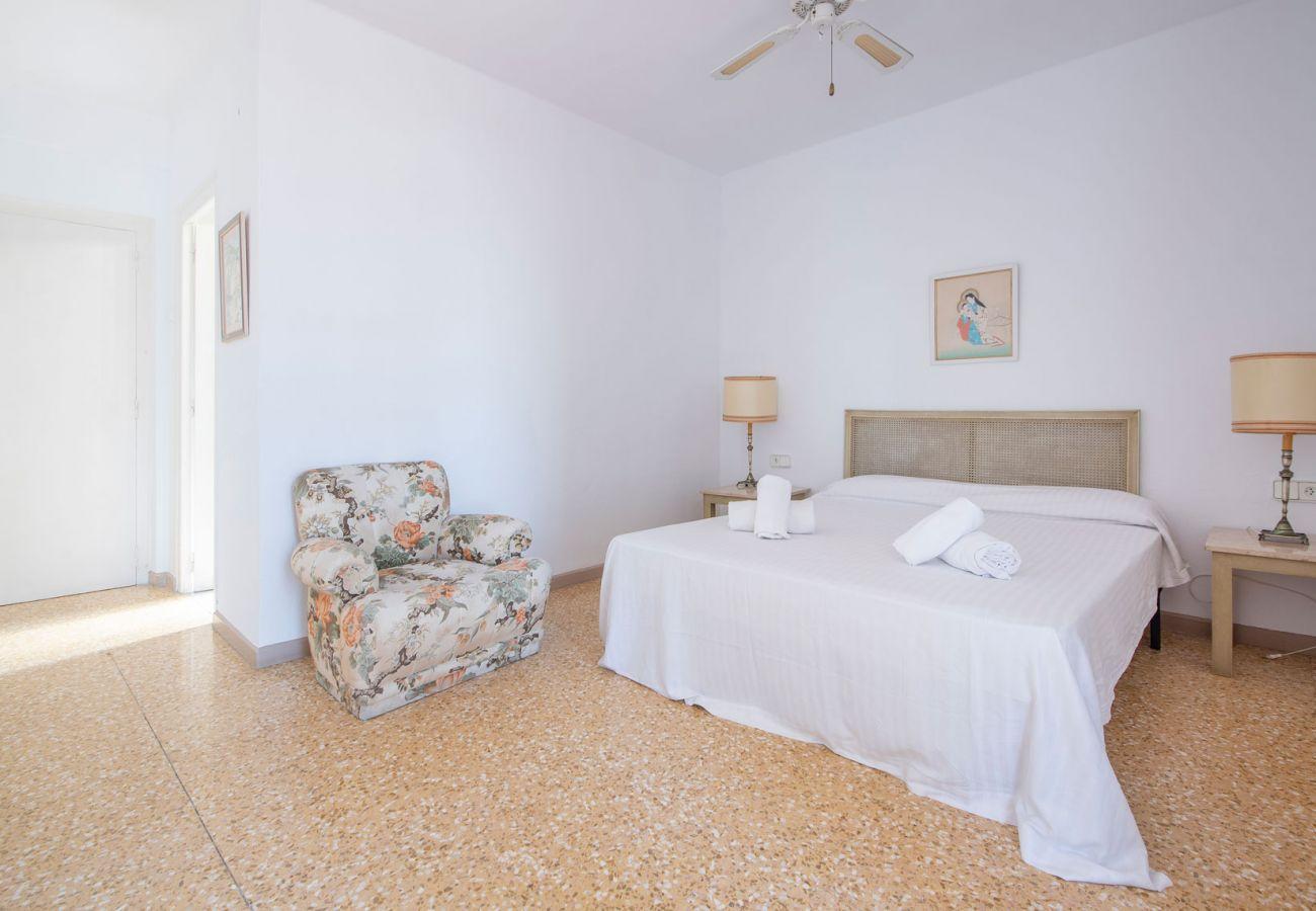 Villa à Coma-Ruga - R31 Maison spacieuse 20m from the beach