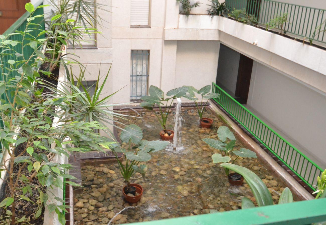 Апартаменты на Салоу - Sevilla 26:Cerca playa,centro Salou-3piscinas-Wifi,Parking,A/C,Ropa gratis
