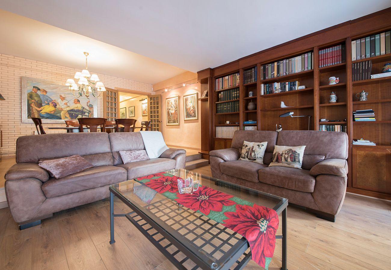 Апартаменты на Calafell - R2 2-комнатная квартира в 20 м от пляжа Калафель