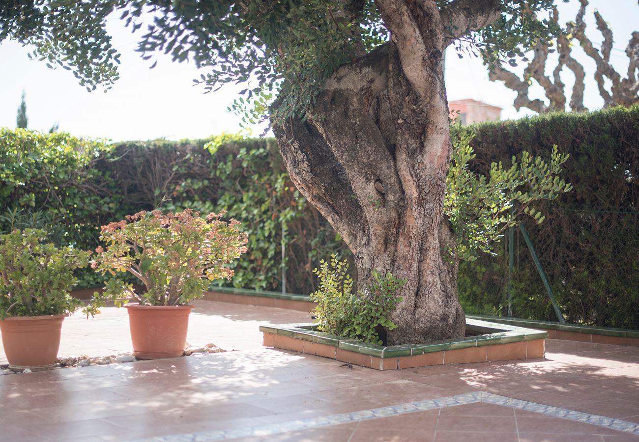 Таунхаус на Calafell - R4 Таунхаус с террасой , бассейном и видами