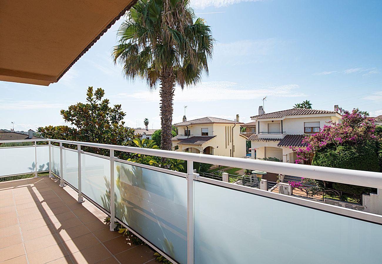 Вилла на Calafell - R9 Вилла с четырьмя спальнями и бассейном рядом с супермаркетами