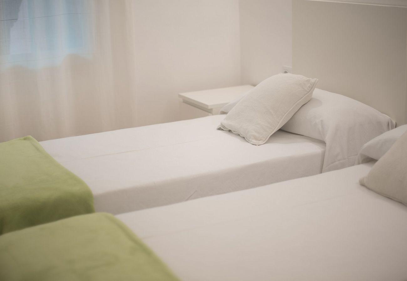 Апартаменты на Calafell - R68-1 Трехкомнатная квартира в 50 м от пляжа