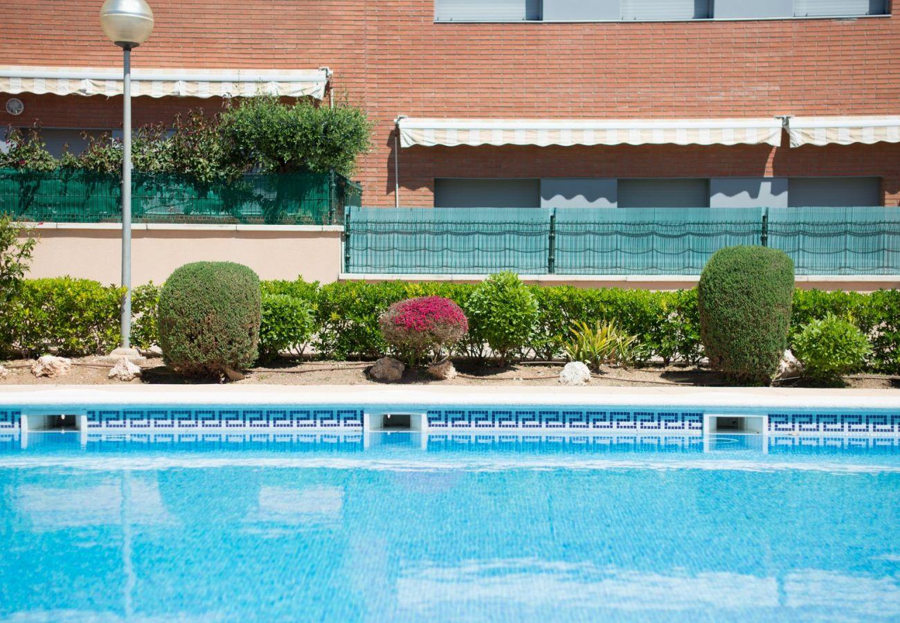 Апартаменты на Calafell - R34 Пентхаус с бассейном и панорамным видом