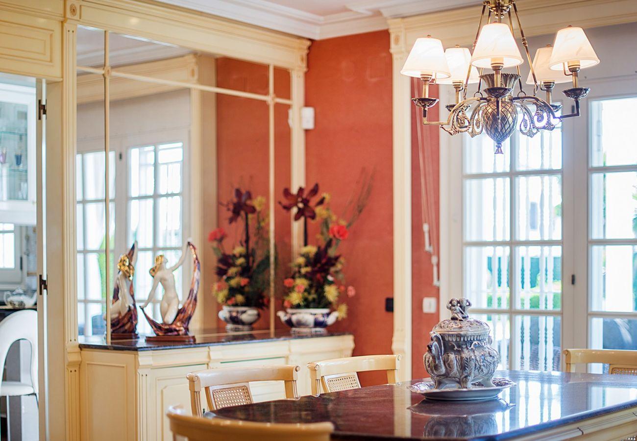 Вилла на Calafell - R60 Великолепный дом с бассейном и садом в 800 м от пляжа Калафель